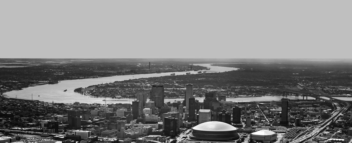 Photo of New Orleans and the winding Mississippi river.